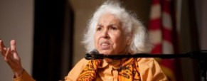 Egyptian feminist Nawal El Saadawi praises &#8216;Revolution of 2011&#8242;