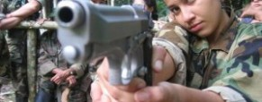 "Female Colombian snipers ""defending Gaddafi"" in Libya"