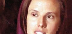 Iranian-held hostage Sarah Shourd en route home from Oman to US